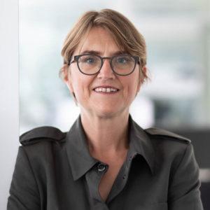 Hình ảnh chân dung của nhà đầu tư cộng đồng Katharina D.