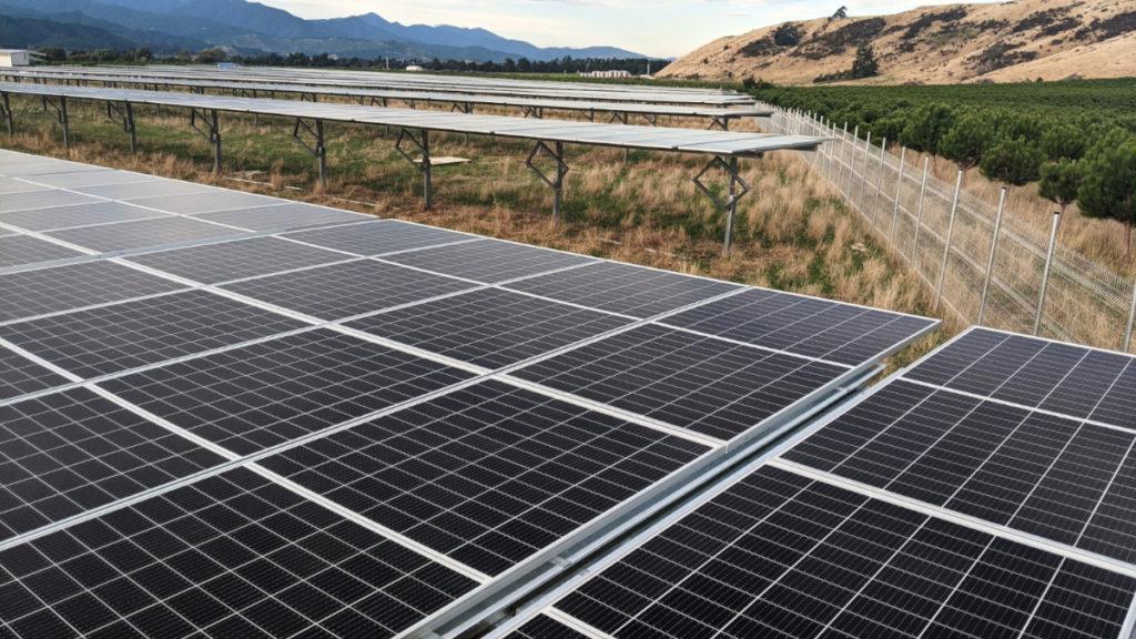 Eine Freiflächen-Solaranlage