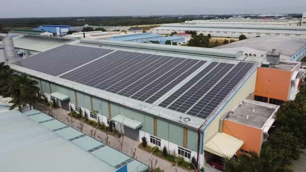 Lắp đặt năng lượng mặt trời 855 kWp - CHA Plastics.