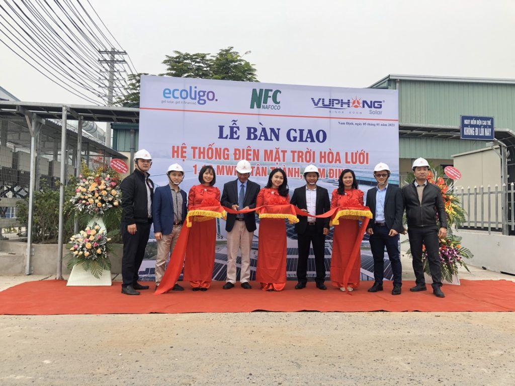 Inauguración del sistema solar en el bosque de Nam Dinh