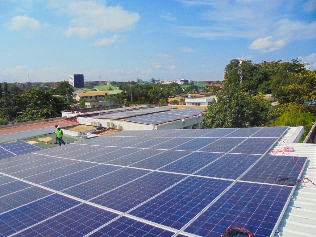 Hệ thống 195 kWp cho Trung tâm Y tế Nyaho, Ghana.
