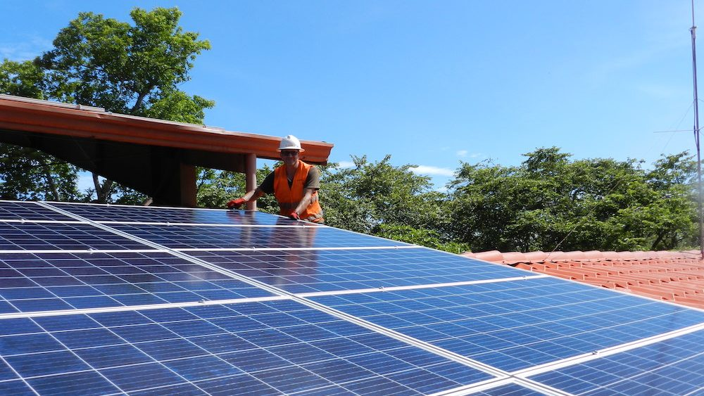 Installation of our solar system in Guanacaste, Costa Rica.