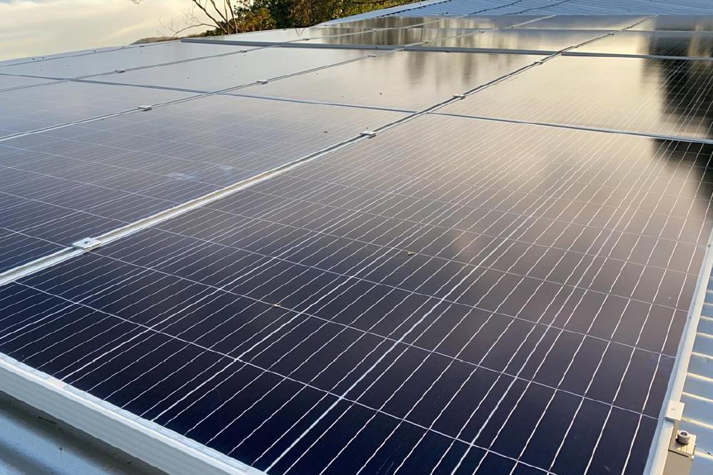 Solarpaneele für Hotel Jenny
